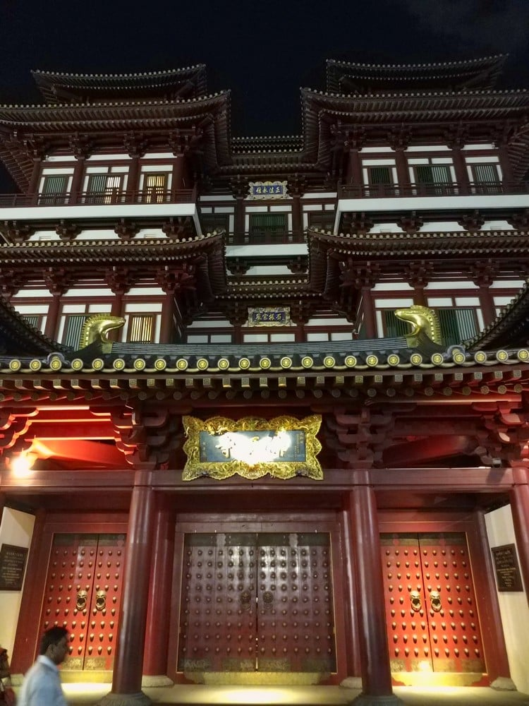 Buddha tooth Relic temple and museum 00071