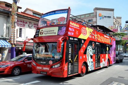 Singapore Hop-on-Hop-off Bus 03